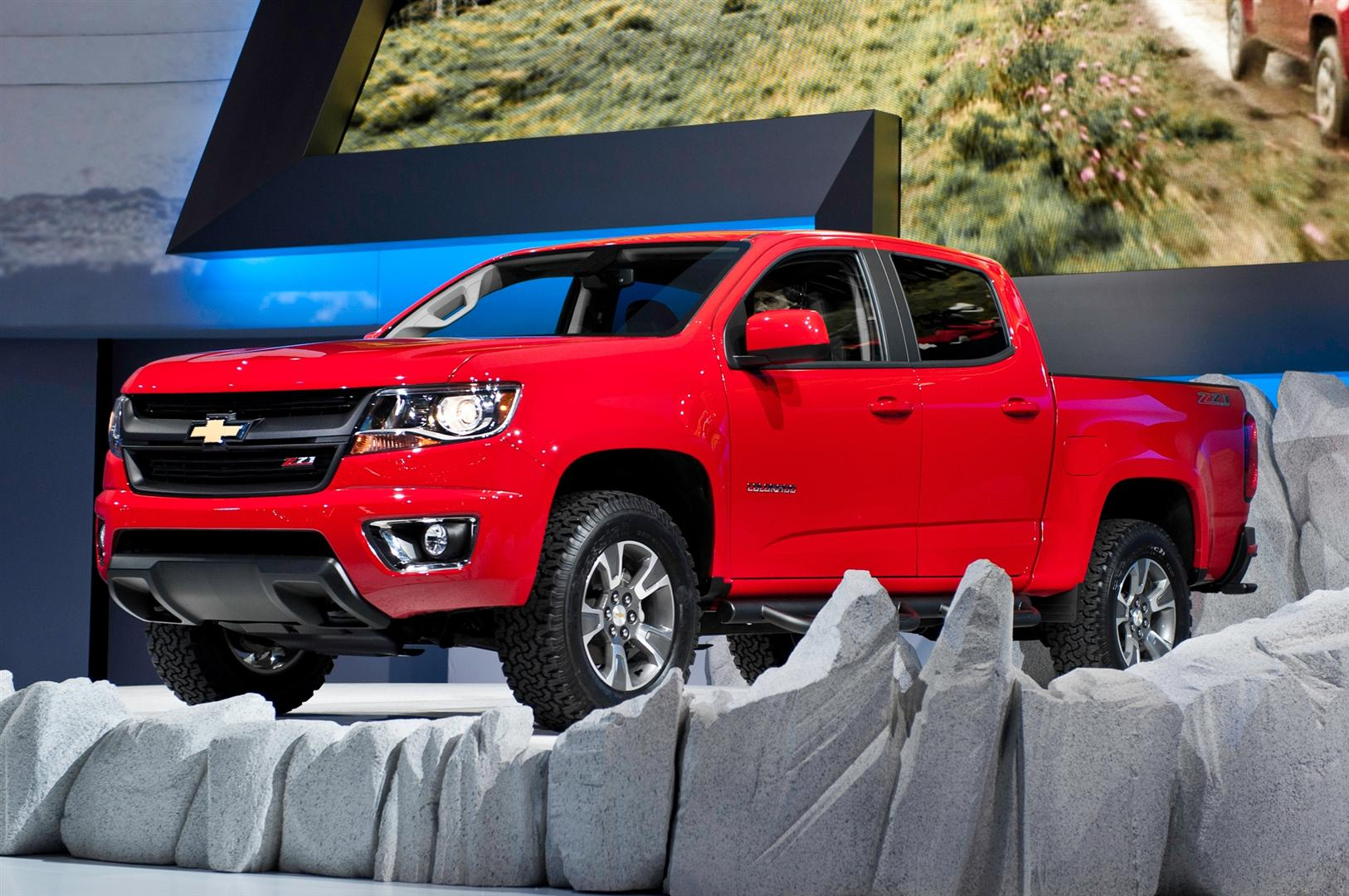 2018 Chevy Colorado Crew Cab Subwoofer Box