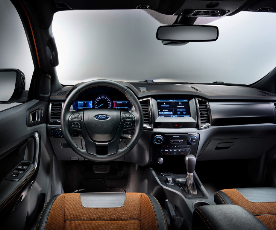 2018 Ford Taurus Interior Pictures