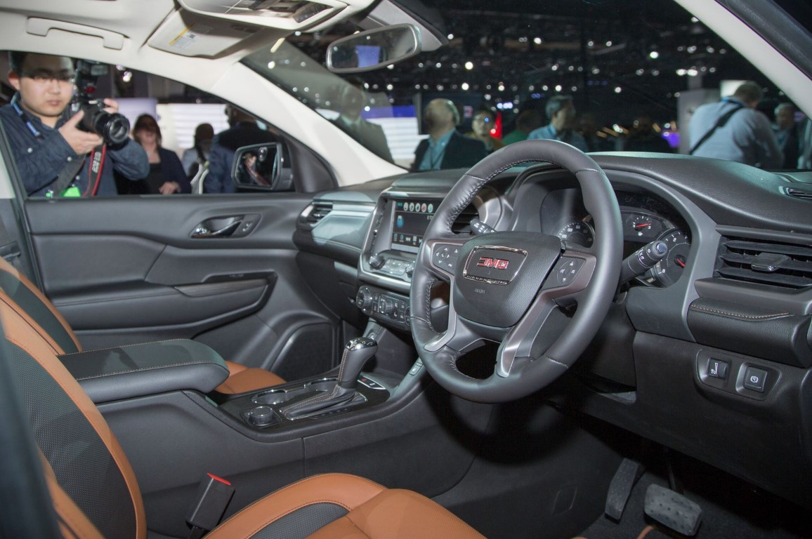 2018 GMC Acadia Interior Pictures