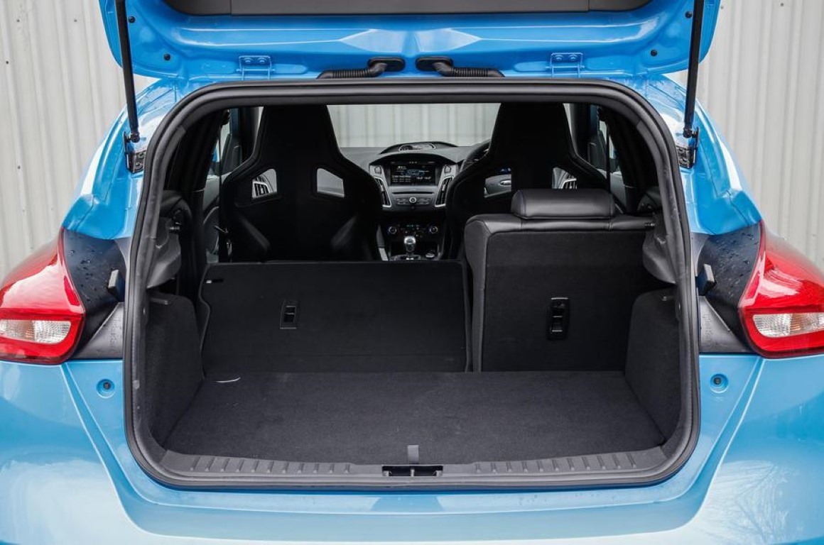 Ford Focus RS 2019 Trunk Capacity