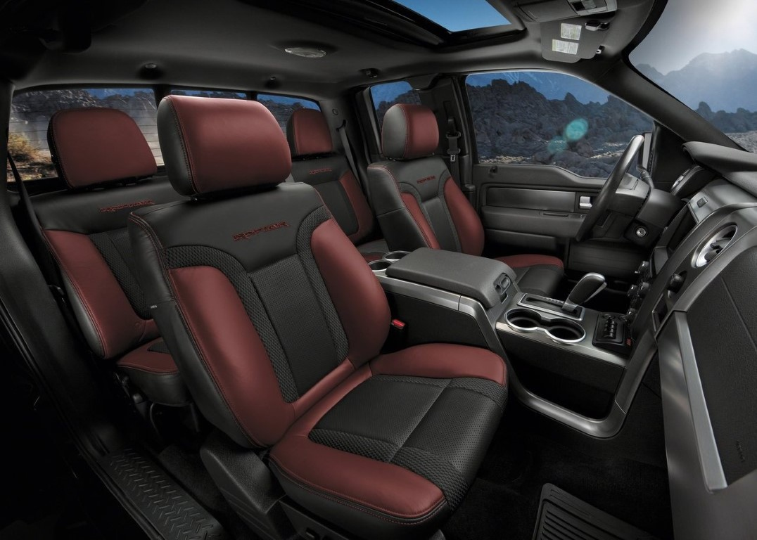 2018 Ford SVT Raptor Interior Images