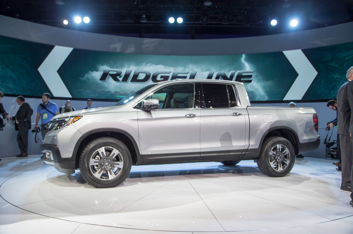 Honda Pickup Truck 2018 Review; Ridgeline Test Drive, Gas Mileage