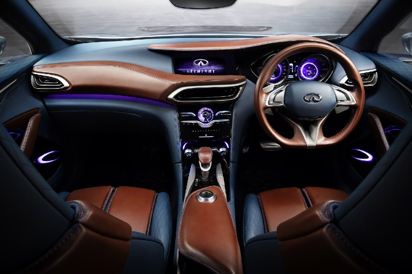 2018 Infiniti QX70 Interior Features