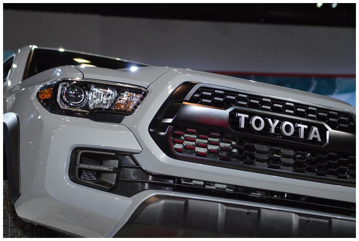 2018 Toyota Tacoma Trd Pro Changes The Front Fril and Headlight
