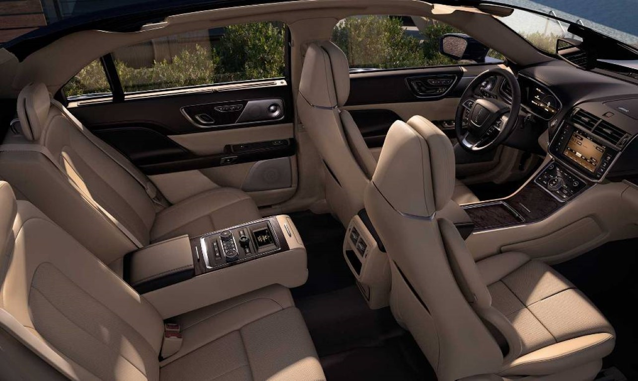 2019 Lincoln Continental Interior pictures