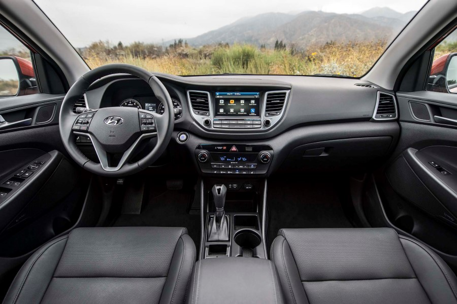 2019 Hyundai Tucson Night Edition Interior Photos
