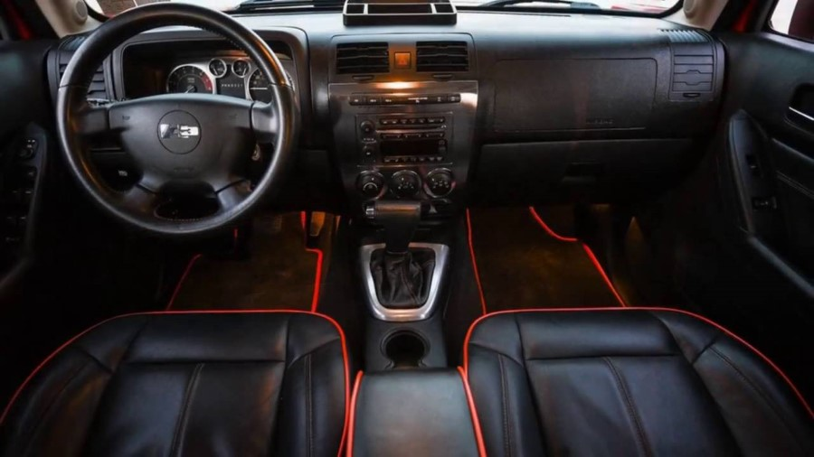 2018 Hummer H3 Interior Feature