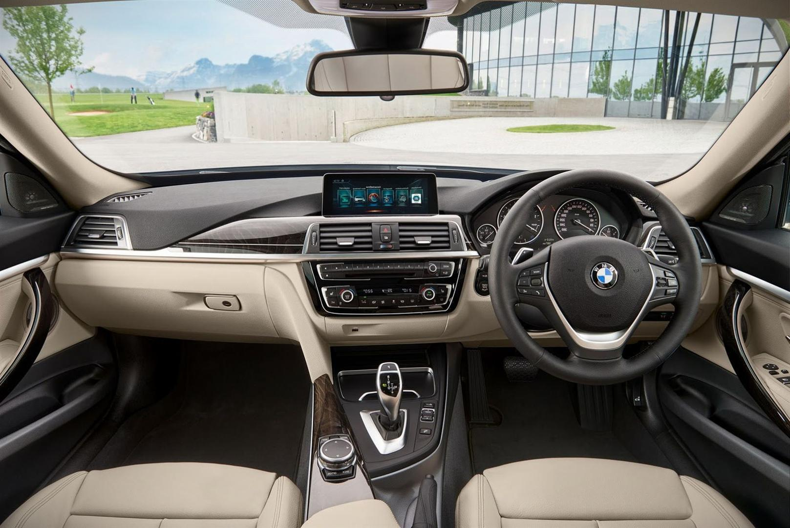 2019 BMW X7 Interior Images