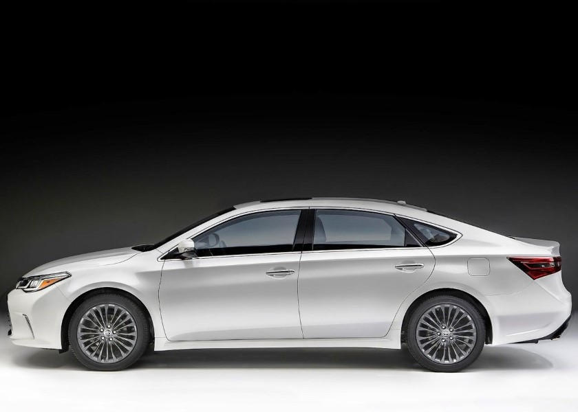 2019 Toyota Avalon Review and Rating