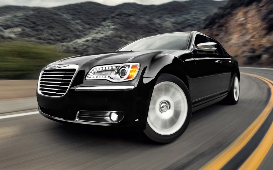 2020 Chrysler 300 SRT Concept Redesign and Engine Update