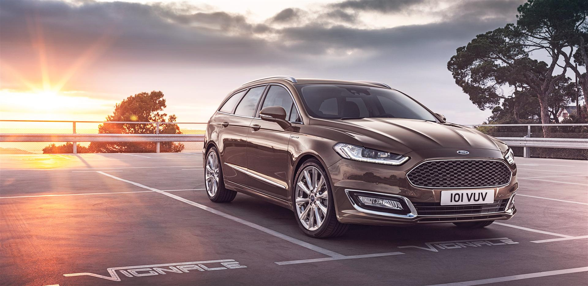 2020 Ford Mondeo vs New VW Passat; Dimensions