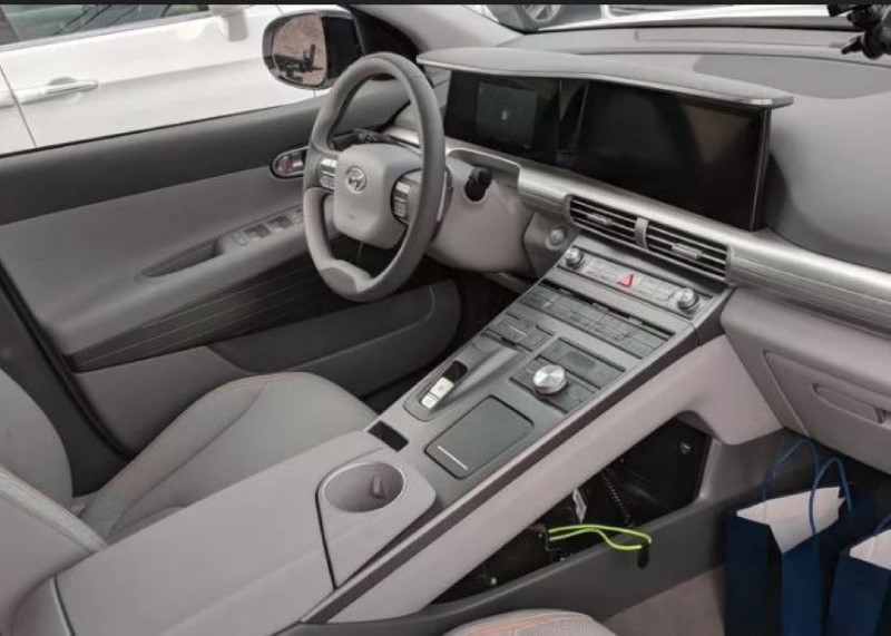 2020 Hyundai Nexo Interior features