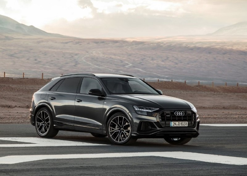 2020 Audi Q8 Coupe Black Color