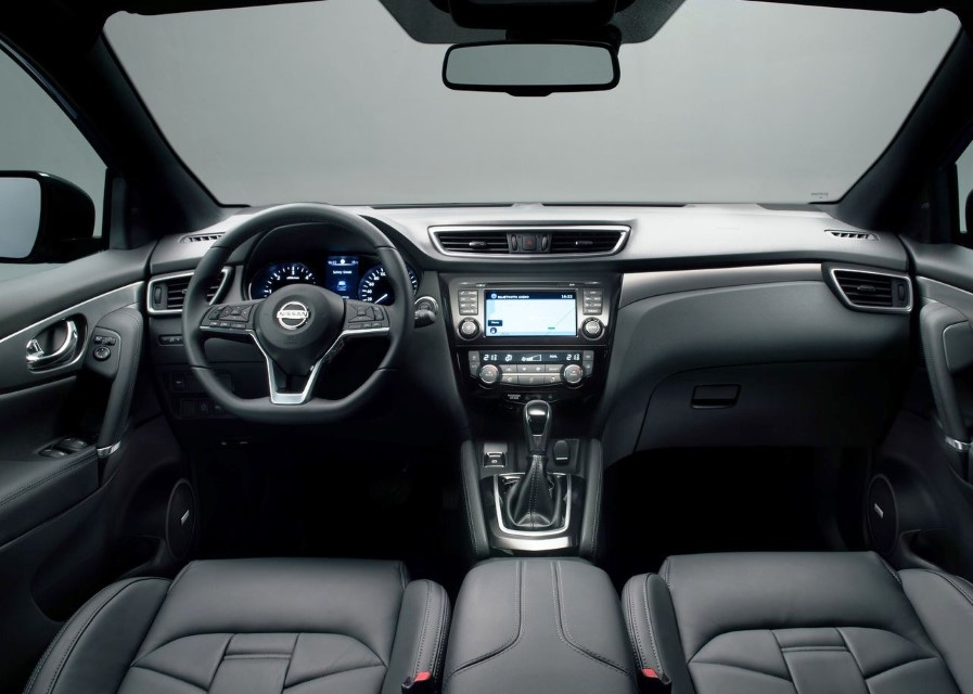 2020 Nissan Qashqai N-Motion Interior & Equipment