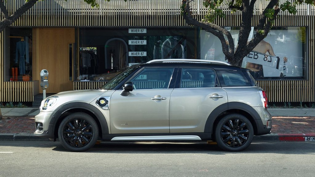 2020 MINI Countryman Plug-in Hybrid Review