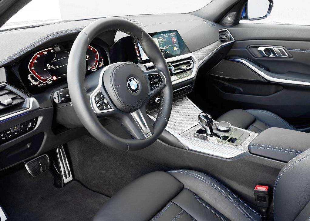 2020 BMW 330i Interior & Features